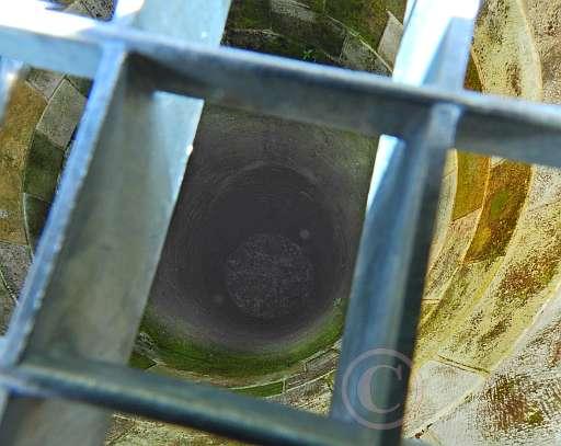 017-Brunnen der Falkenburg