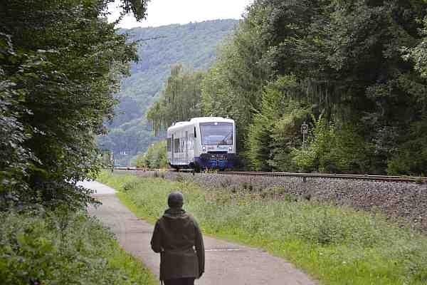 0102-Rundweg 07-Felspassage-Rurtalbahn